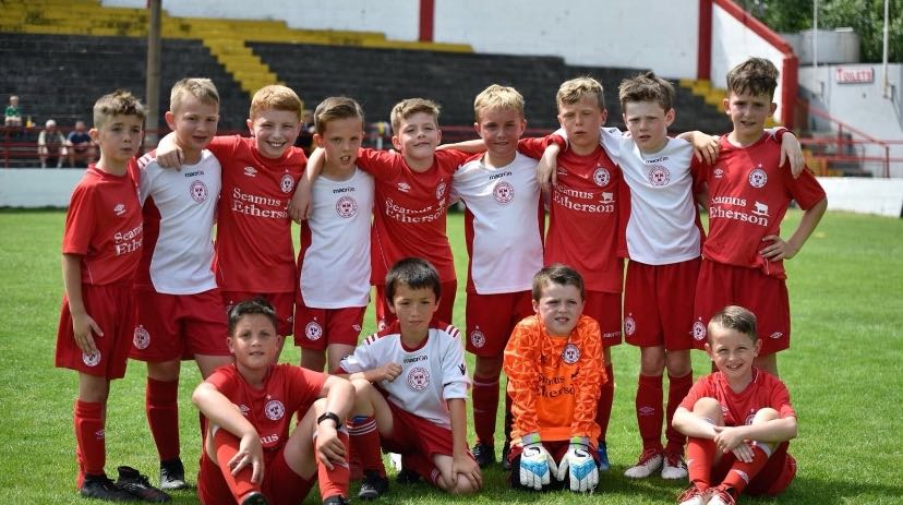 image of kids in the little reds Shelbourne football club youth academy