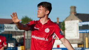 Reece McEnteer latest to re-sign for Shelbourne